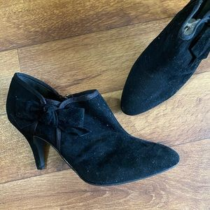 Bamboo Ashley Black Bow Ankle Zip Booties Size 10